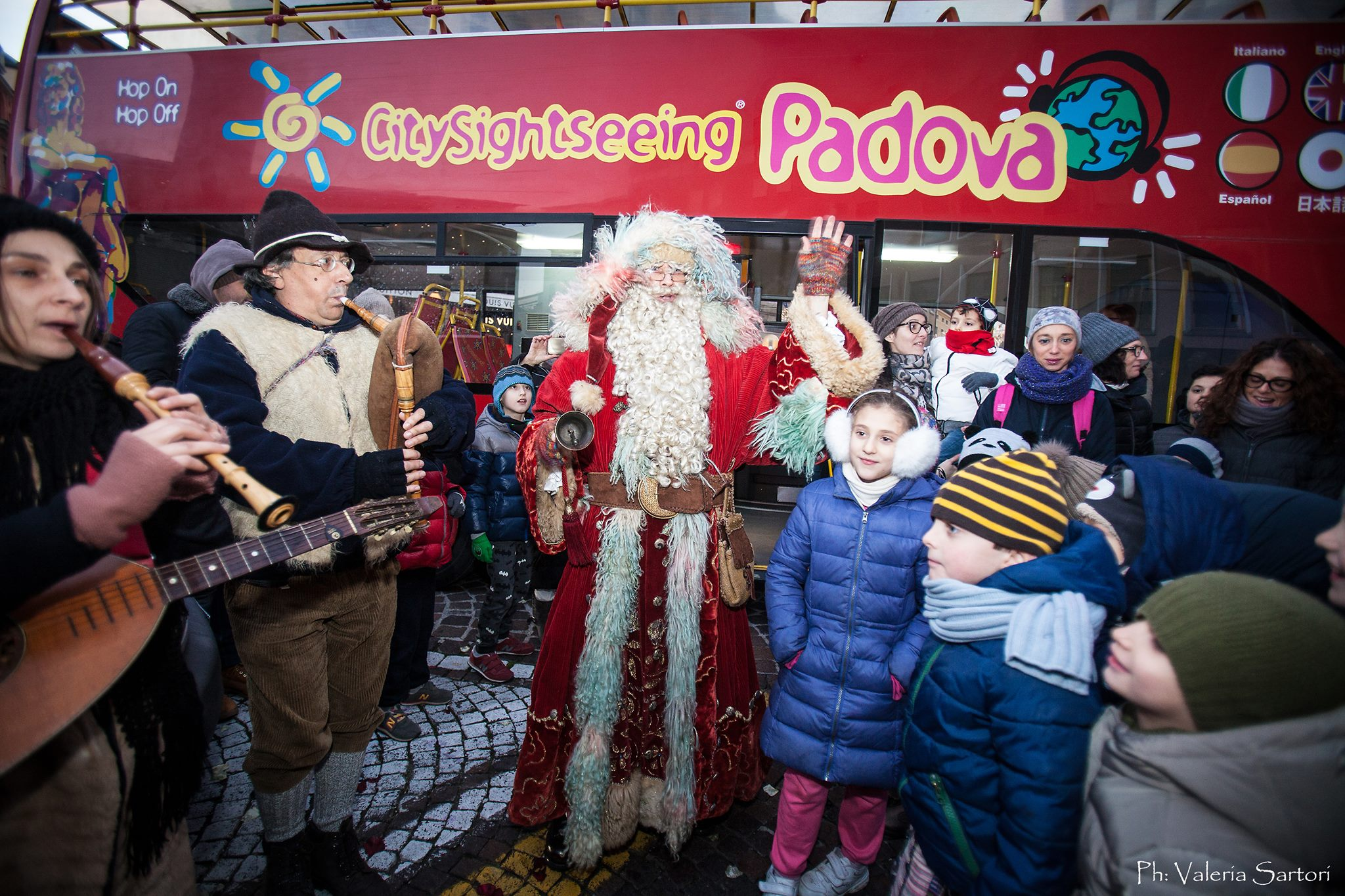 Santa Claus has arrived in Padua onboard the CitySightseeing
